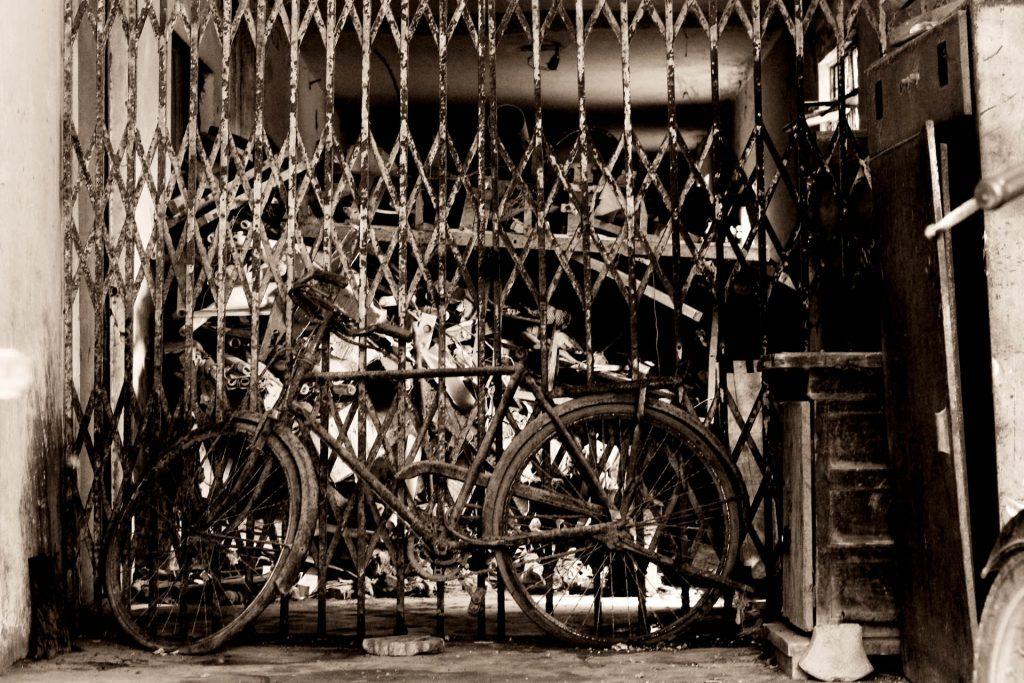 古い自転車のイメージ